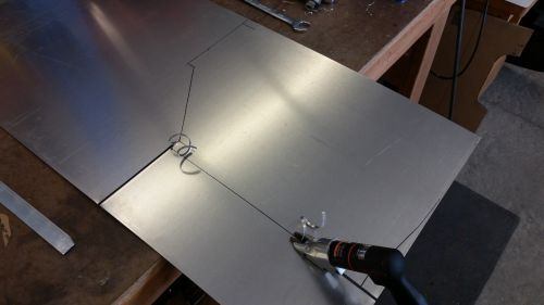 Cutting diffuser side tunnel floor
